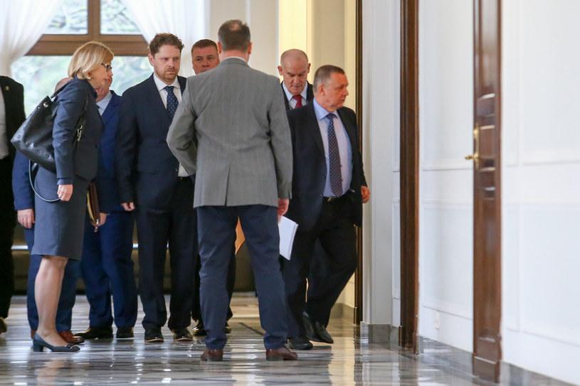 Marian Banaś w drodze na spotkanie z Elżbietą Witek /Fot Tomasz Jastrzebowski /Reporter