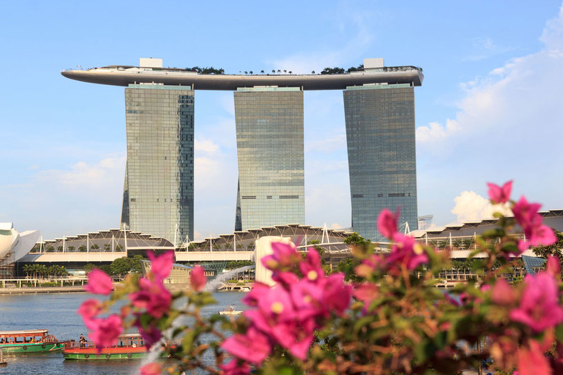 Marina Bay Sands Hotel w Singapurze /123RF/PICSEL