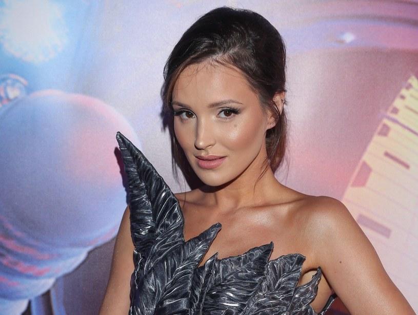 """Marina Łuczenko-Szczęsna podczas gali """"Joy Influencer Roku 2019"""" /Kamil Piklikieiwcz /East News"""
