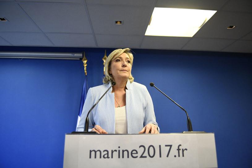 """""""Marine Le Pen obaliłaby wszystko, co reprezentuje UE"""" /AFP"""