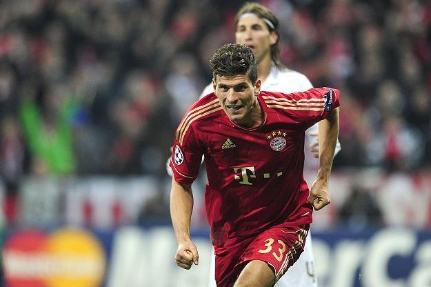 Mario Gomez zapewnił Bayernowi zwycięstwo nad Realem /AFP