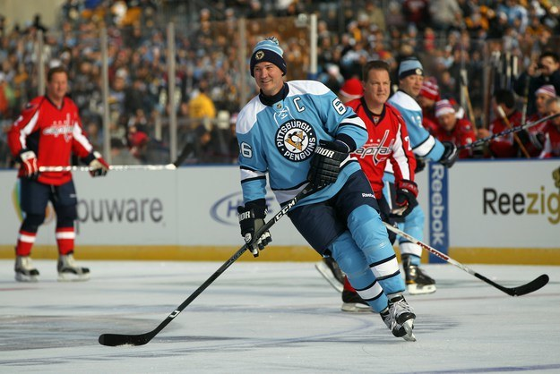Mario Lemieux to jedna z największych legend wszech czasów. Roman Szimiczek grał z nim w Pittsburgh Penguins. /AFP