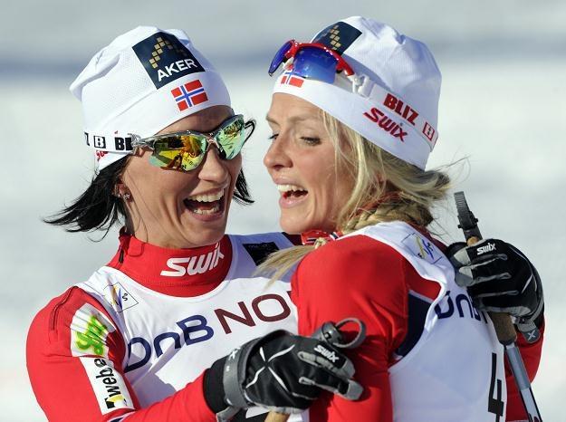 Marit Bjoergen i Therese Johaug /AFP