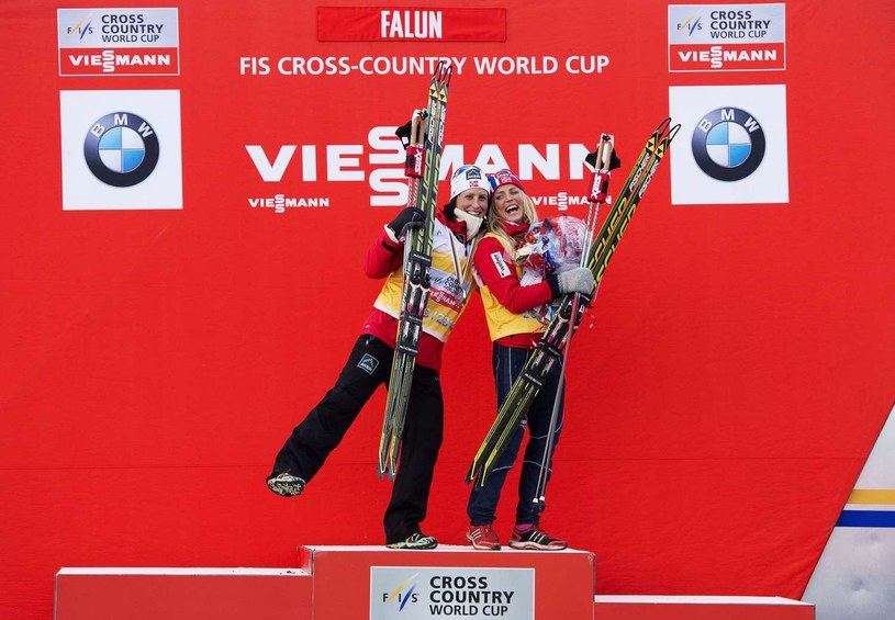 Marit Bjoergen (z lewej) i Therese Johaug /AFP
