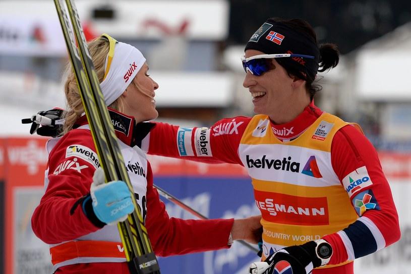 Marit Bjoergen (z prawej) i Therese Johaug /AFP