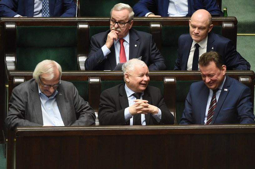 Mariusz Błaszczak, Jarosław Kaczyński, Ryszard Telecki na posiedzeniu Sejmu /Zbyszek Kaczmarek/REPORTER /PAP