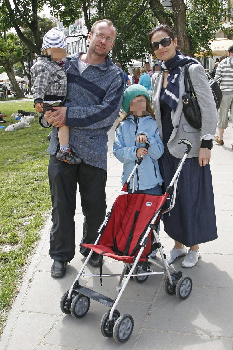 Mariusz Bonaszewski i Dorota Landowska z dziećmi, 2010 rok / Engelbrecht /AKPA