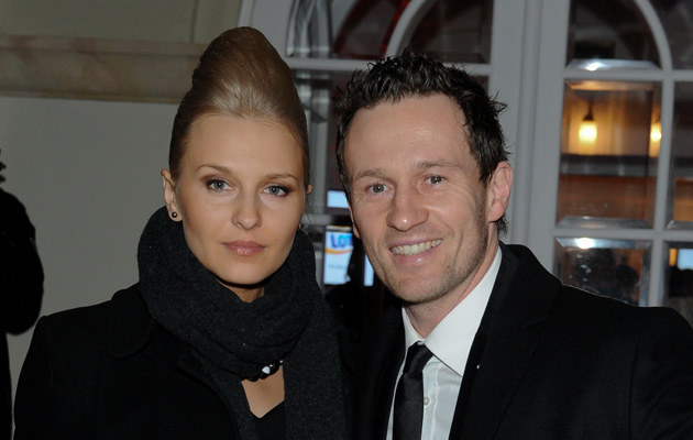 Mariusz Czerkawski z żoną Emilią /MWMedia