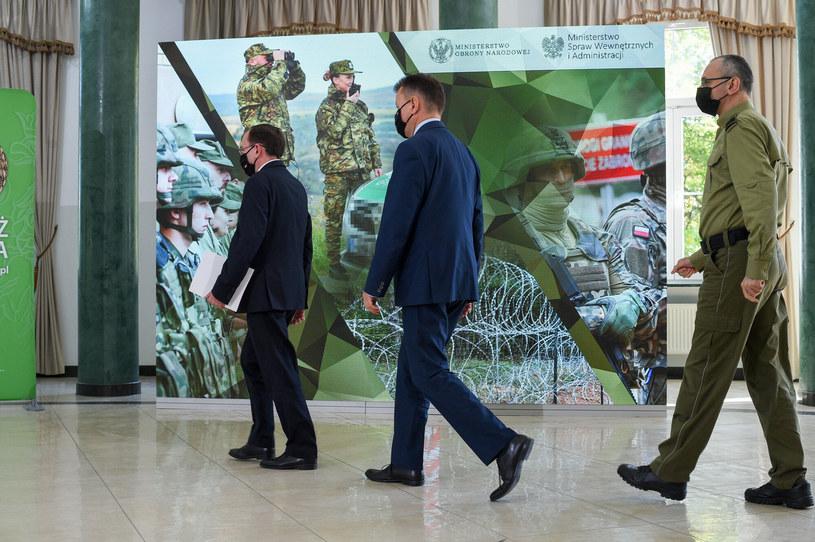 Mariusz Kamiński, Mariusz Błaszczak, Tomasz Praga podczas poniedziałkowej konferencji prasowej /Zbyszek Kaczmarek/REPORTER /Reporter