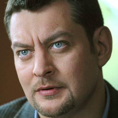 """Mariusz Sabiniewicz - fot. Bartłomiej Zaranek (oficjalna strona serialu """"M jak Miłość"""") /"""