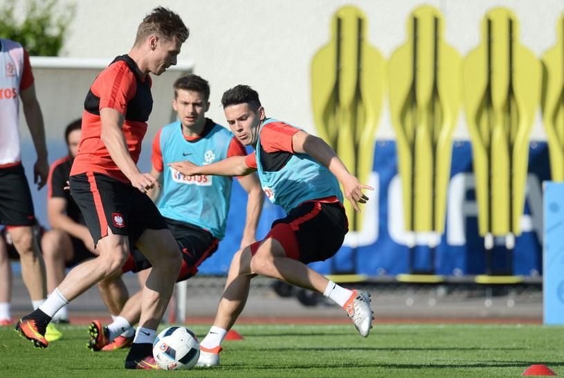 Mariusz Stępiński (z prawej) na treningu kadry we Francji /Fot. Bartłomiej Zborowski /PAP