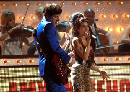 Mark Ronson i Amy Winehouse podczas Brit Awards fot. Dave M. Benett /Getty Images/Flash Press Media