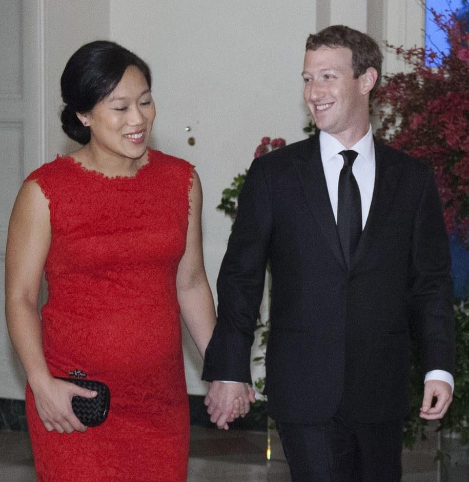 Mark Zuckerberg z żoną Priscillą / CHRIS KLEPONIS/POOL    /PAP/EPA