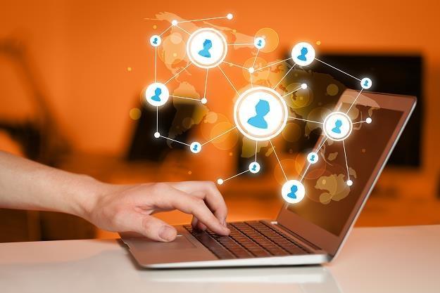 Marketing w sieci przybiera różne formy /©123RF/PICSEL