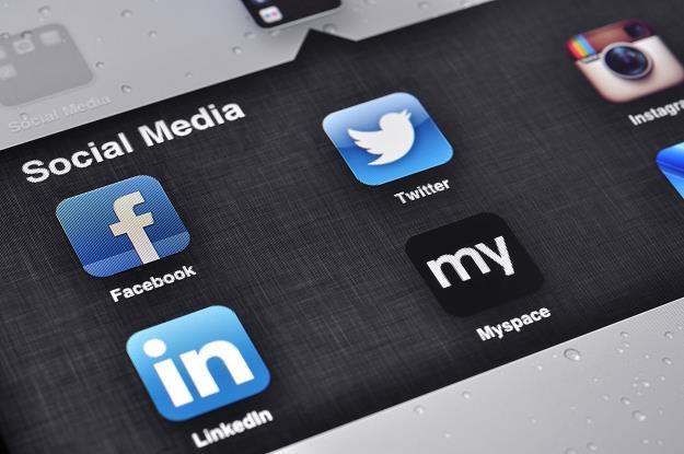 Marki finansowe: Obecność w mediach społecznościowych jest konieczna /©123RF/PICSEL