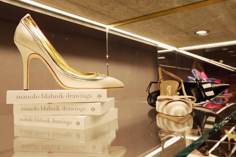 Marki luksusowe specjalnie windują ceny swoich produktów, aby zwiększyć ich atrakcyjnoś /Getty Images