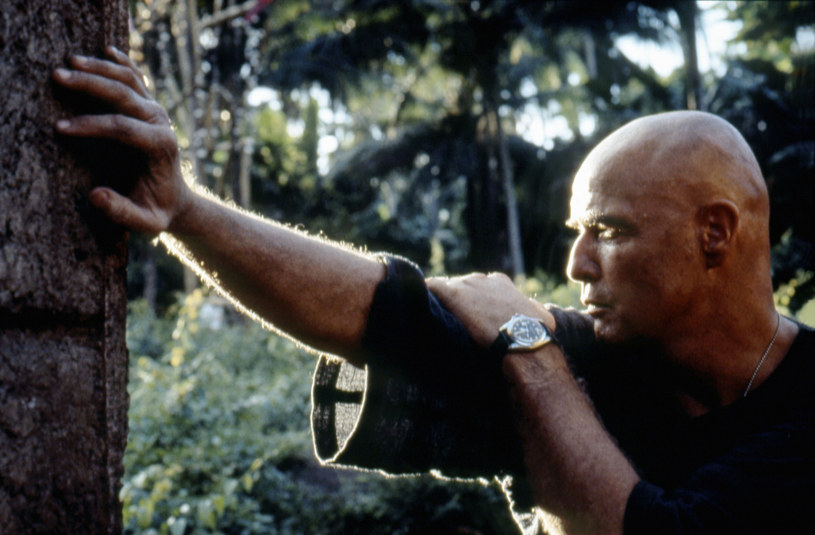 """Marlon Brando ze swoim Rolexem na planie """"Czasu Apokalipsy"""" /East News"""