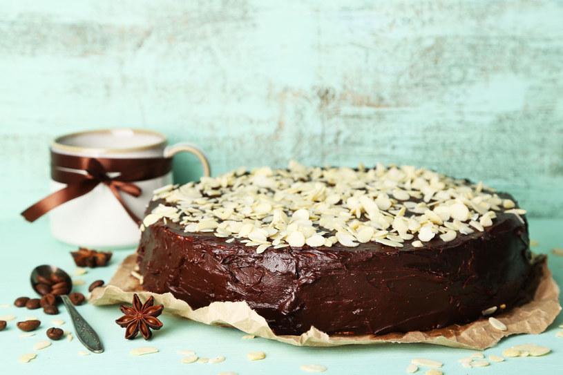 Marmoladę wymieszaj  z rozpuszczoną gorzką czekoladą /Picsel /123RF/PICSEL