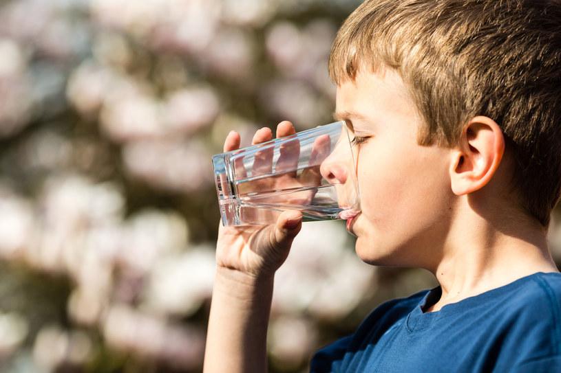 Marnujemy dziesiątki litrów wody /123RF/PICSEL