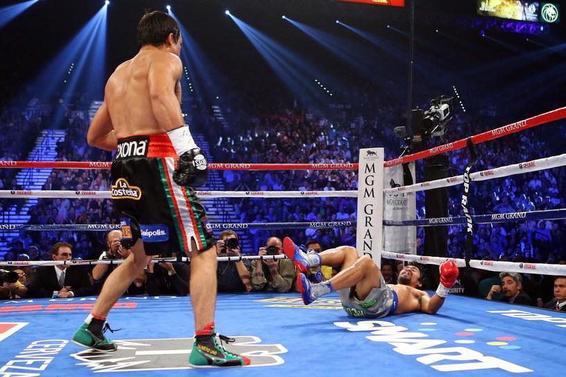 Marquez posłał Pacquiao na deski /AFP
