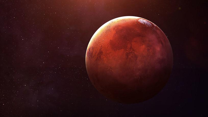 Mars miał kiedyś grubą atmosferę, jak dzisiejsza Ziemia? /123RF/PICSEL