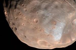 Mars rozerwie na strzępy jeden ze swoich księżyców