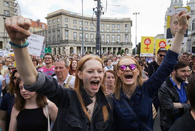 Marsz Godności Kobiet w Warszawie /Paweł Supernak /PAP