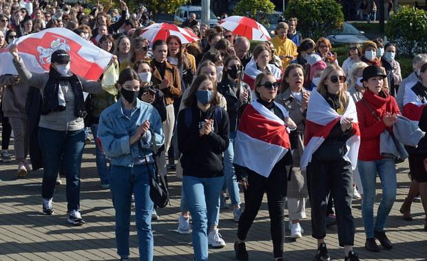 Marsz kobiet w Mińsku. Milicja zatrzymała ponad 340 osób