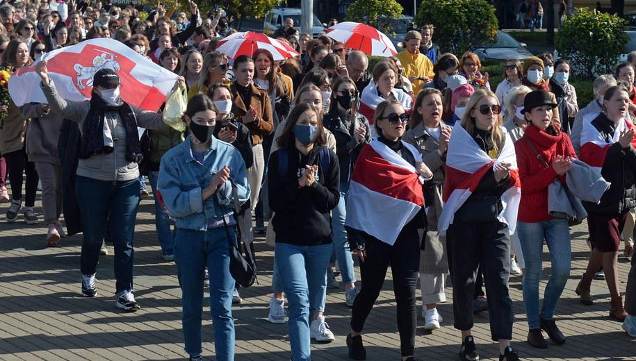 Marsz kobiet w Mińsku /STRINGER /PAP/EPA