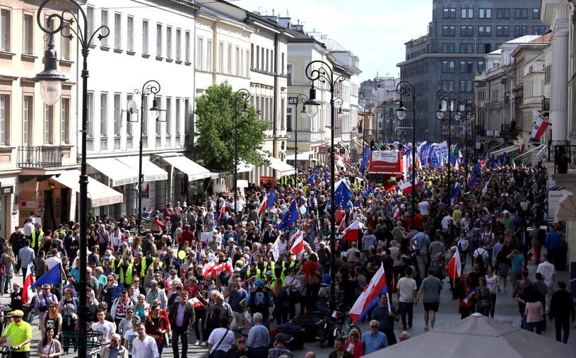 Marsz KOD i części opozycji /Tomasz Gzell /PAP