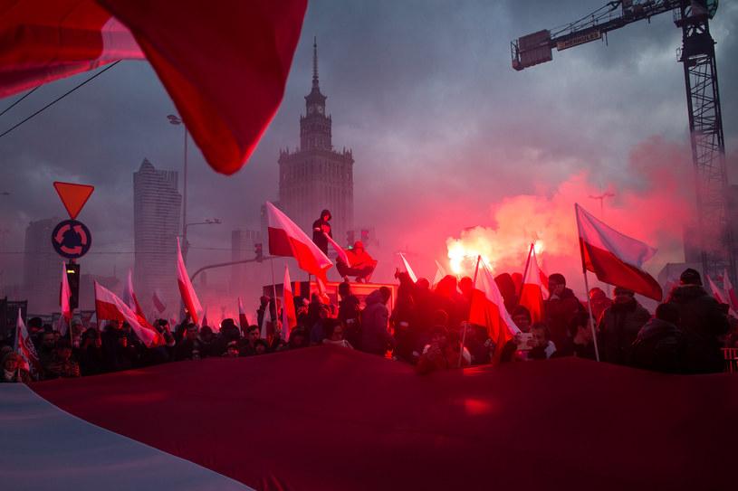 Marsz Niepodległości zorganizowany przez srodowiska narodowe, 2017 r. /Simona Supino /Agencja FORUM