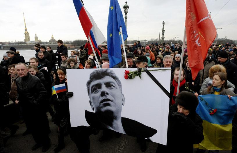 Marsz pamięci po zabójstwie Borysa Niemcowa /AFP