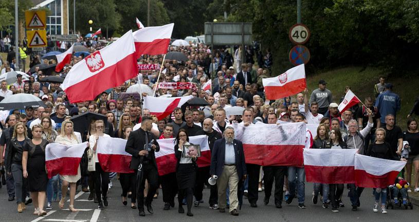 Marsz pamięci Polaka zamordowanego w Harlow w Wielkiej Brytanii /JUSTIN TALLIS /AFP