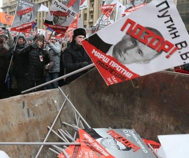 """""""Marsz przeciwko niegodziwcom"""" w Moskwie. """"Deputowani do sierocińców, Putin do domu starców"""""""
