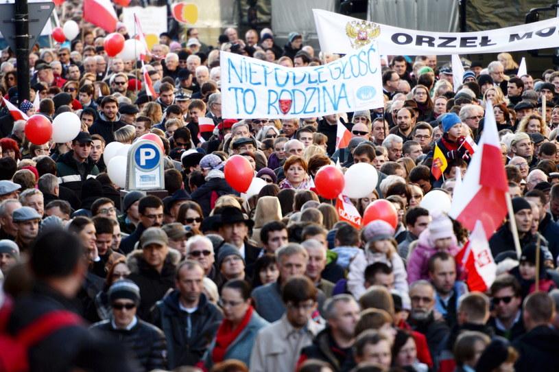 """Marsz """"Razem dla Niepodległej"""" w Warszawie. /Jacek Turczyk /PAP"""
