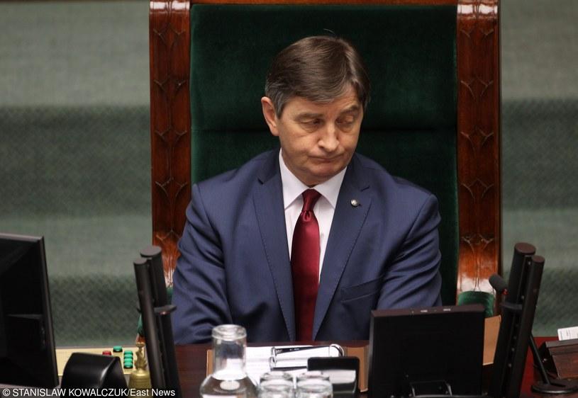 Marszałek Kuchciński prowadzi obrady Sejmu żelazną ręką /STANISLAW KOWALCZUK /East News