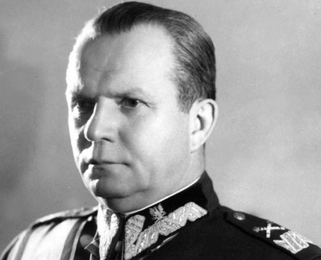 Marszałek Michał Rola-Żymierski wydał rozkaz przeciwdziałania zajęcia przez Czechów terenów przygranicznych /Z archiwum Narodowego Archiwum Cyfrowego