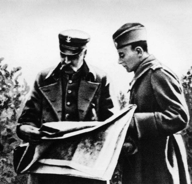 Marszałek Piłsudski i gen. Śmigły-Rydz w czasie operacji grodzieńskiej. Koniec sierpnia 1920 roku /East News
