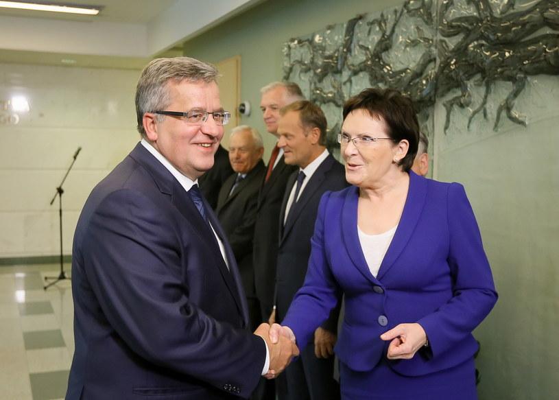 Marszałek Sejmu Ewa Kopacz (P) i prezydent Bronisław Komorowski (L). /Paweł Supernak /PAP