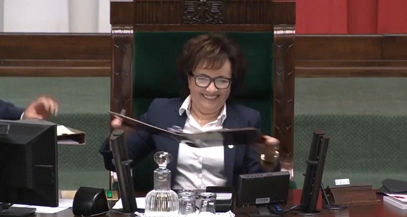 Marszałek Sejmu nie mogła opanować śmiechu /Twitter