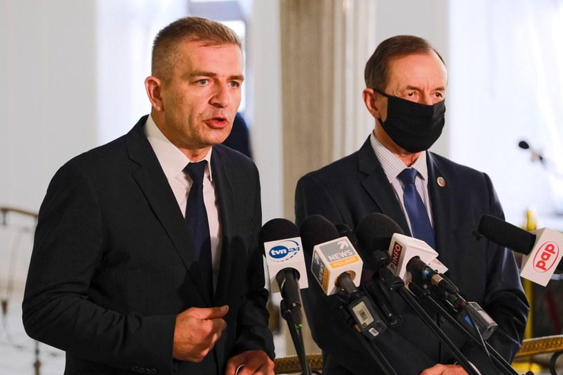 Marszałek Senatu Tomasz Grodzki i poseł Bartosz Arłukowicz podczas konferencji prasowej w Sejmie /Mateusz Marek /PAP