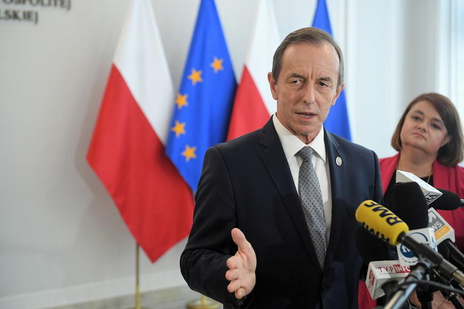 Marszałek Senatu Tomasz Grodzki podczas briefingu prasowego / Radek Pietruszka   /PAP
