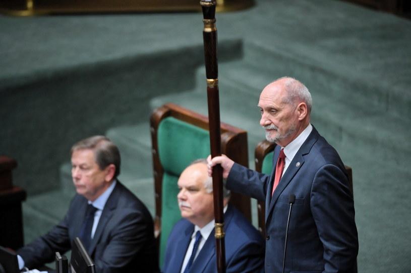 Marszałek senior Sejmu Antoni Macierewicz / Radek Pietruszka   /PAP