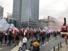 Marszu Niepodległości. Podpalono mieszkanie, doszło do starć z policją