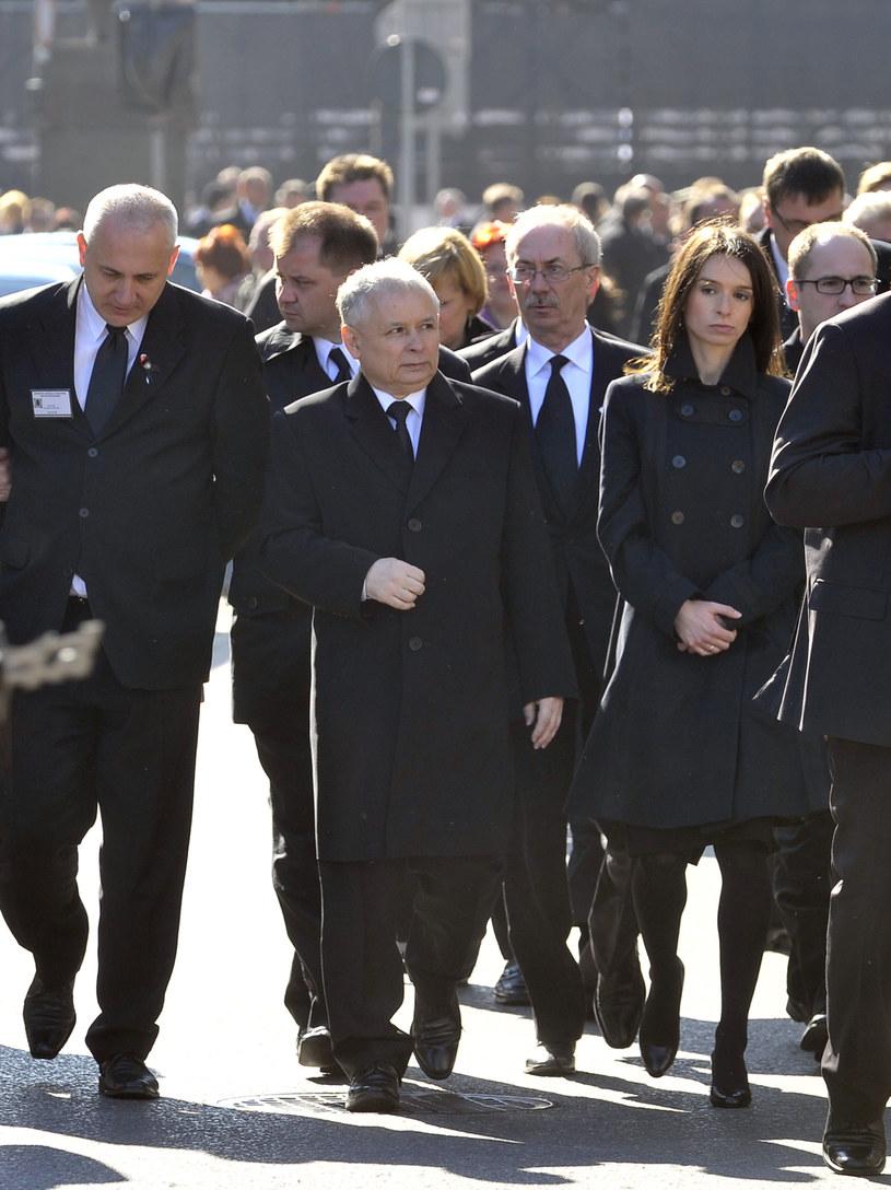 Marta Kaczyńska i Jarosław Kaczyński podczas uroczystości żałobnych, 2010 r. /Jarosław Wojtalewicz /AKPA