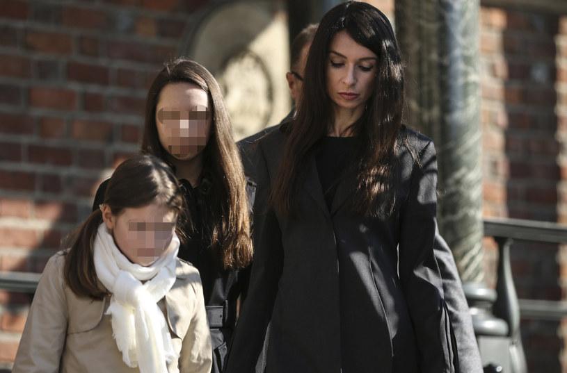 Marta Kaczyńska wraz z córkami wzięła udział w obchodach 7. rocznicy katastrofy smoleńskiej /Beata Zawrzel /East News