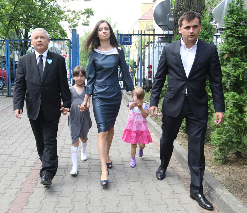 Marta Kaczyńska z córkami, Marcinem i stryjem /Stanisław Kowalczuk /East News