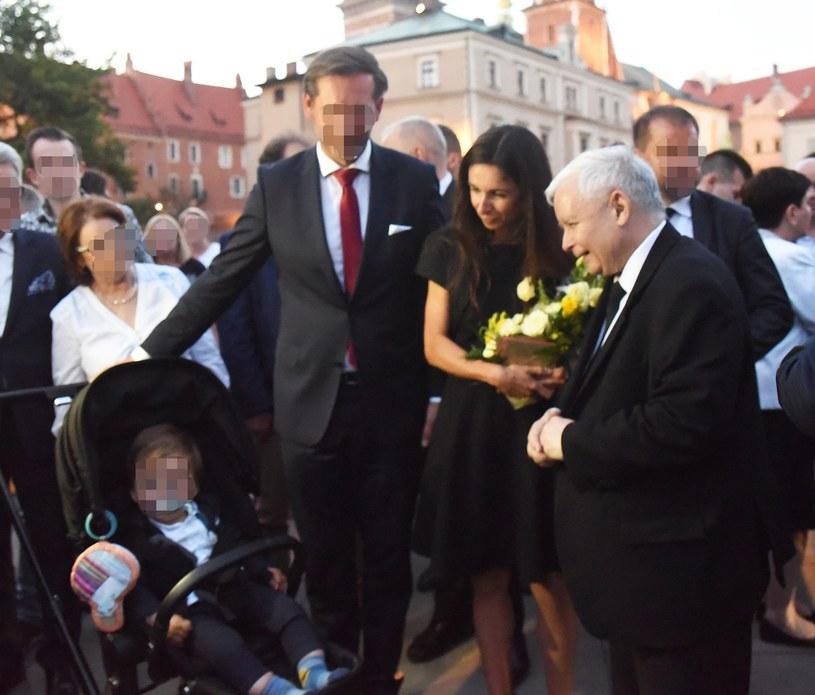 Marta Kaczyńska z mężem i synem oraz Jarosław Kaczyński /M.Lasyk /Reporter