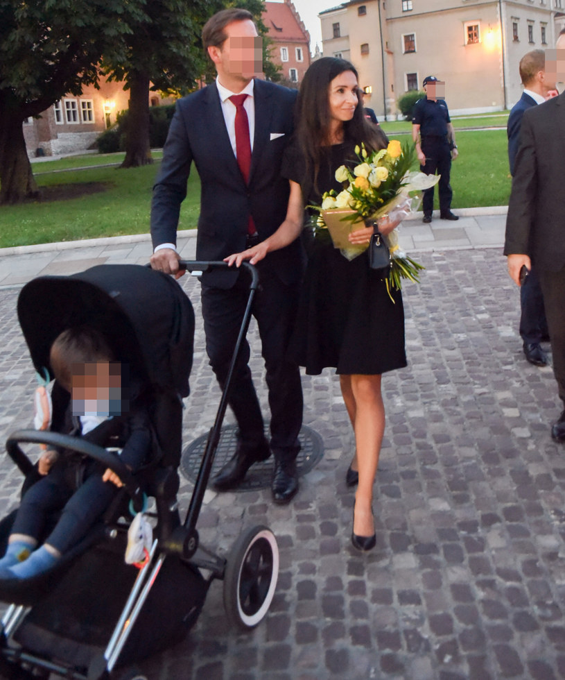 Marta Kaczyńska z mężem Piotrem i synem Stasiem /Marek Lasyk  /Reporter