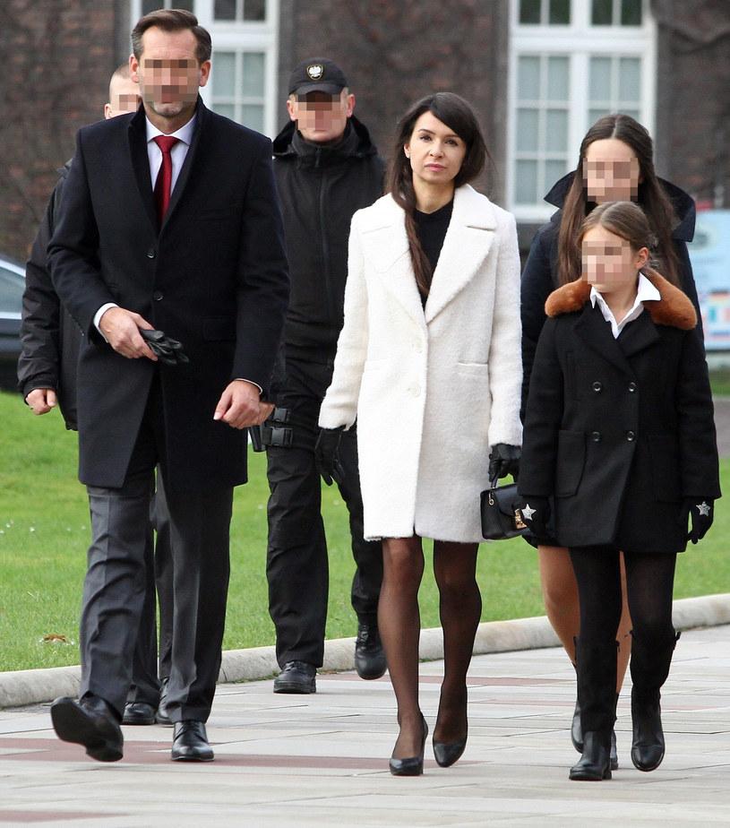 Marta Kaczyńska z Piotrem i córkami na Wawelu /Jacek Kozioł /East News